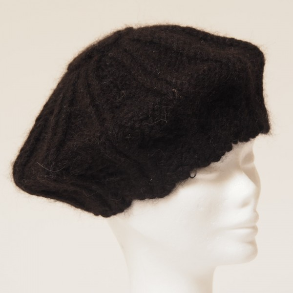 Alpaca Knitted black chunky knit beret - Alpaca Barn Alpaca Clothing ... 3448561db45